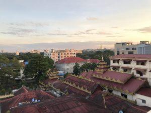ミャンマーの朝